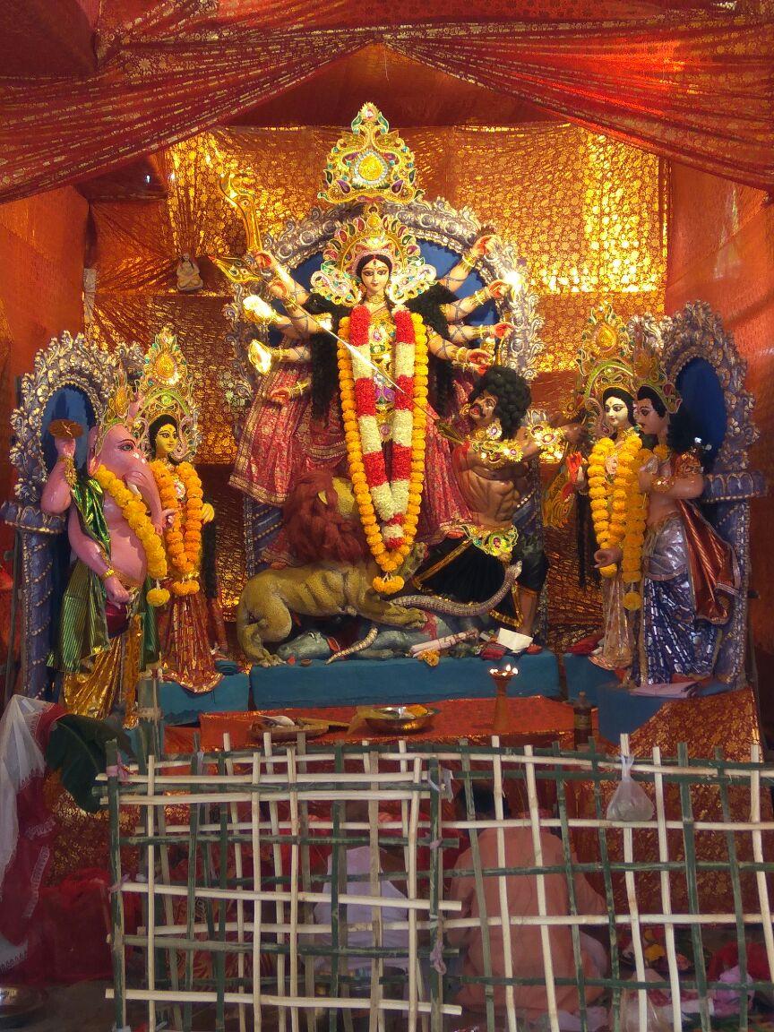 Saradhiya Durga Puja Samiti Borpathar Road