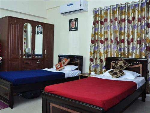 Luxury of facility and affordable rates at Guest House in Vadodara