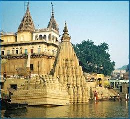 temple hopping in Varanasi