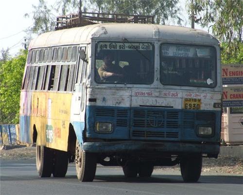 Buses in Veraval