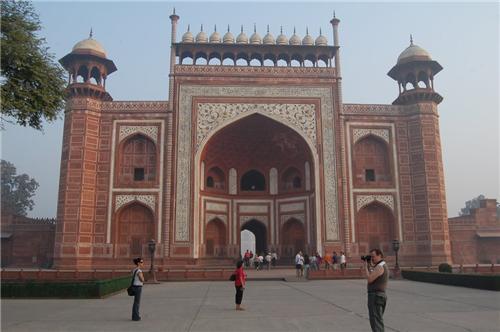 Facts on Taj Mahal in Agra
