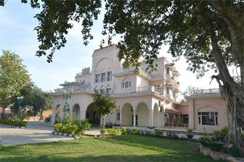 Baya Hotel in Bhiwani