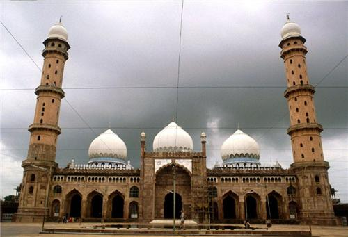 Famous mosques in Bhopal