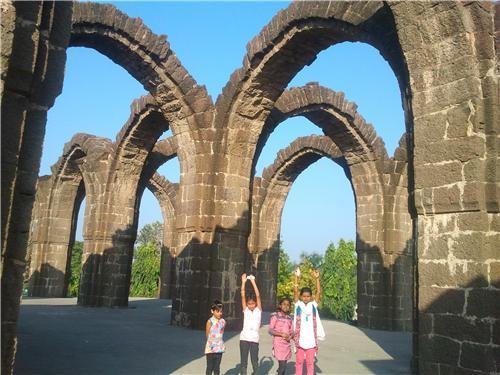 Architecture of Bara Kaman