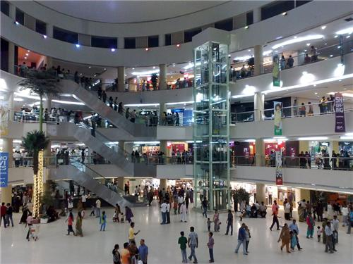 Express Avenue Shopping Mall in Chennai