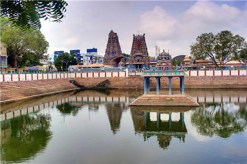 Shri Vadapalani Andavar Temple in Chennai