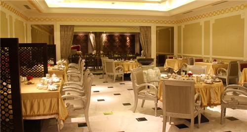 Vegetarian Restaurant in Chennai