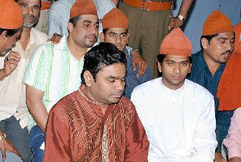 AR Rahman visiting Dargah