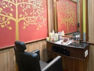 Beauty Salon at Hotel May Fair