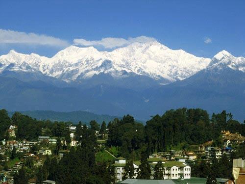 Darjeeling nestled Against The Mighty Kanchenjunga