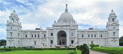 Trains from Guwahati to Kolkata