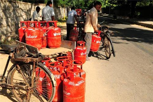 LPG Cylinders being distributed in the Hyderabad