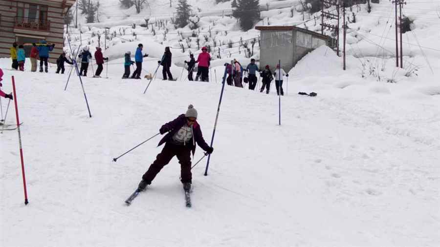 भारत में स्कीइंग