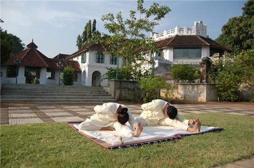 Famous Spiritual Retreats in India