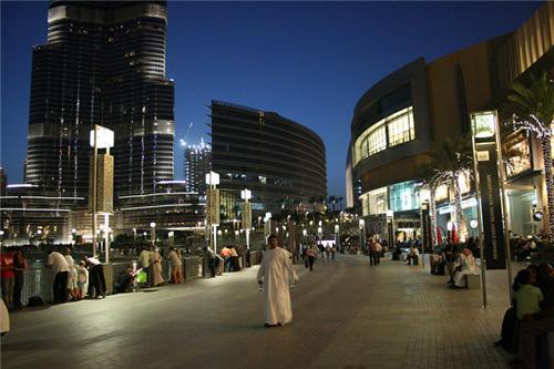 Street Shopping in Dubai