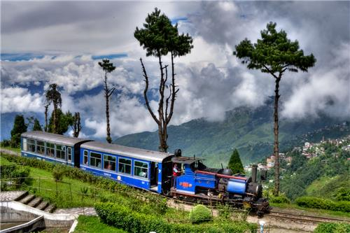 darjeeling as a cheap holiday destination in India