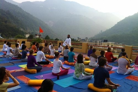 Ashrams of Rishikesh for solitary holidays india