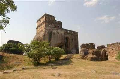 http://im.hunt.in/cg/jabalpur/City-Guide/m1m-madan.jpg