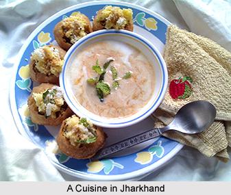 Food in Jhumri Tilaiya