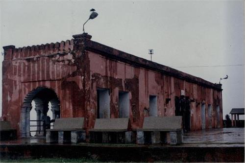Rajmahal Tourism