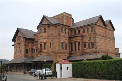 Historical Hari Niwas Palace Hotel in Jammu & Kashmir