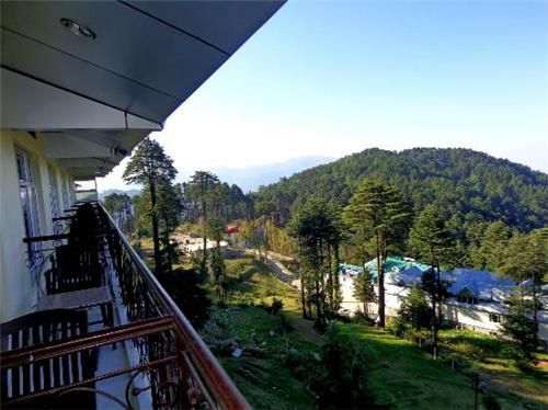 SIghts to view from Hotel Trinetar in Patnitop