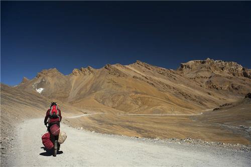 Cycling tours   to Ladakh Region in JK