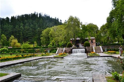 Achabal Garden in Achabal