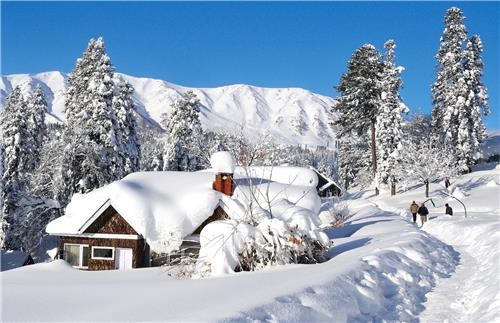 Enjoy landscape in Gulmarg