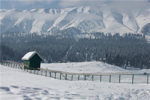 Make Gulmarg your winter retreat