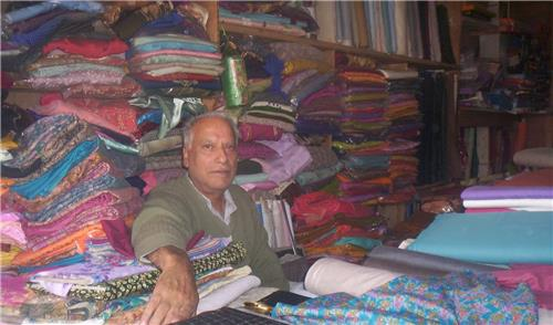 Shops in Handwara