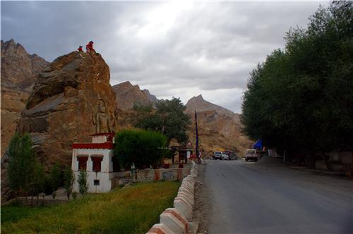 Road leading to Mulbekh Monastery in Kargil