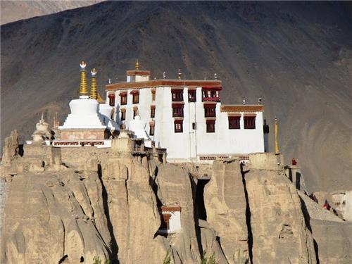 Monasteries situated in Kargil