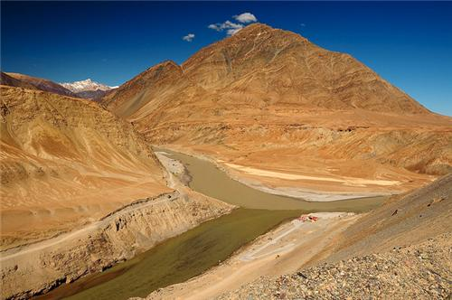 Glow around the Confluence of Zanskar River and Indus River