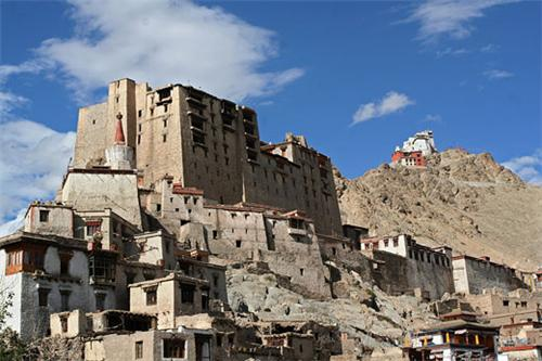 Around the Leh Palace