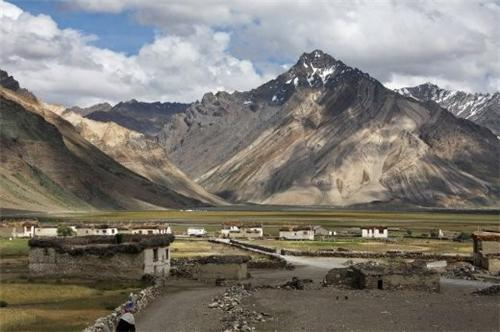 View of the Shagma Karphu Village