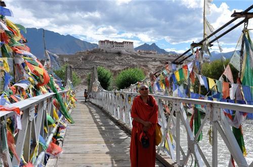 Towards the Stakna Monastery