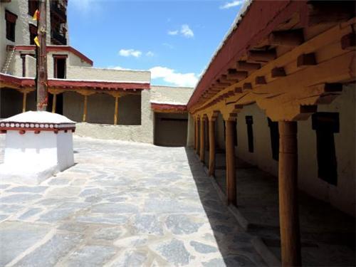 Courtyard of Stok Palace