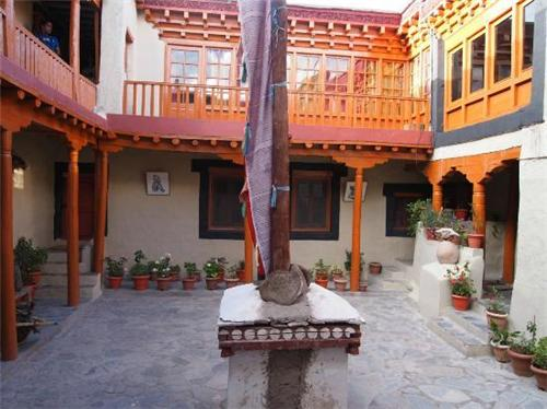 Architecture of Stok Palace Museum