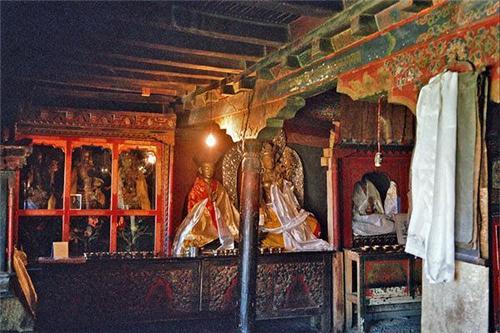 Inside the Stok Palace