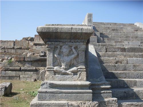 Ruins at Parihaspora