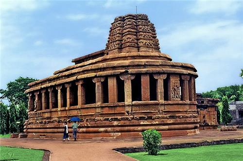 Historical sites in Karnataka
