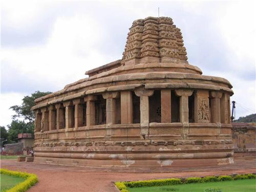 Best Historical Sites in Karnataka