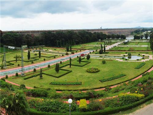 Parks and gardens in Karnataka