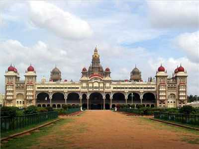 http://im.hunt.in/cg/kar/Tumkur/City-Guide/m1m-MysorePalace.jpg