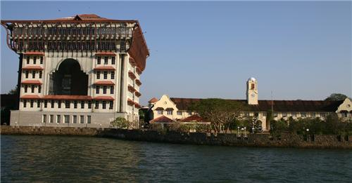 Wellington Island Kochi Hotels
