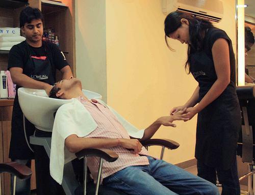 Top beauty saloon of Kolkata city