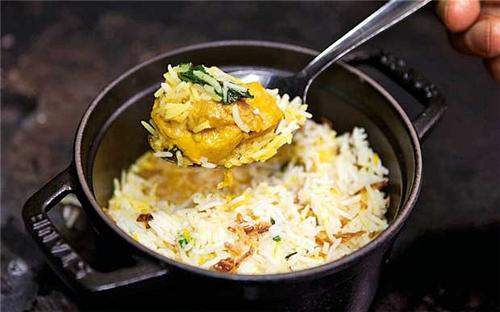 Renowned Biryani Restaurants Lucknow