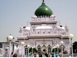 Places to visit around Lucknow