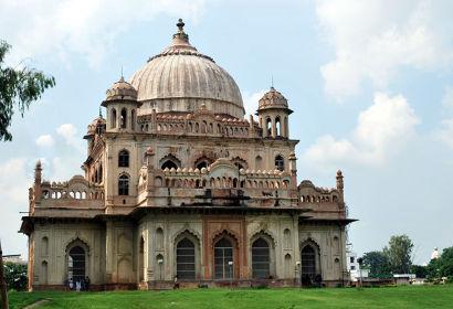 Tomb of Saadat Ali Khan Lucknow